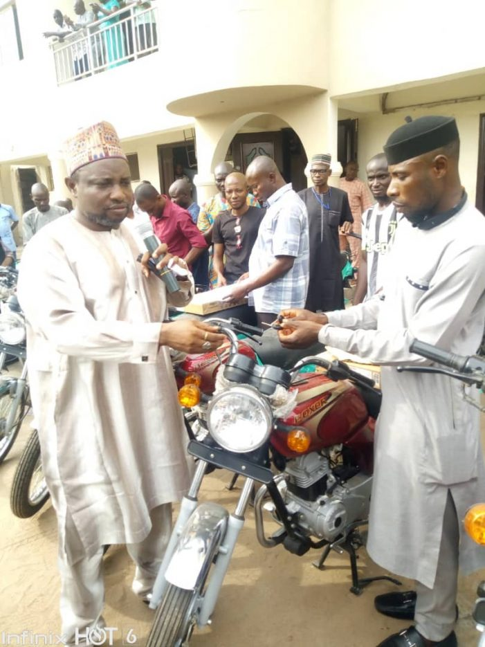 Kogi distributes laptops, motorcycles to RIOs to boost grassroot vaccination