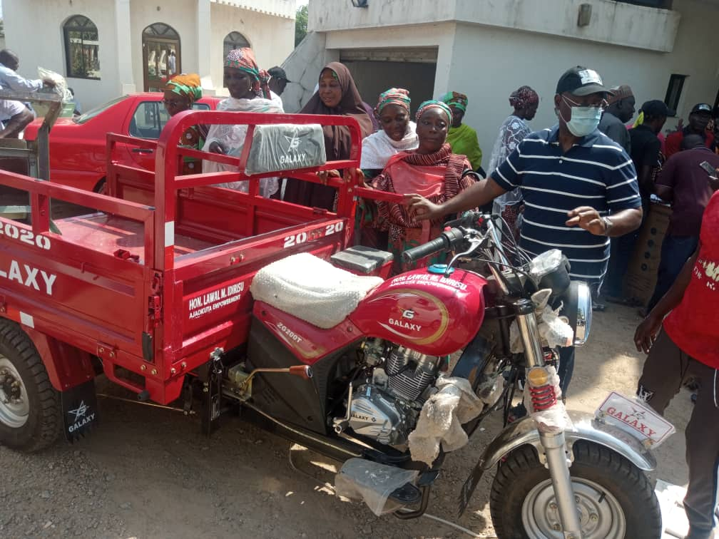HON. LAWAL SURPRISES CONSTITUENTS WITH ANOTHER ROUND OF EMPOWERMENT ITEMS